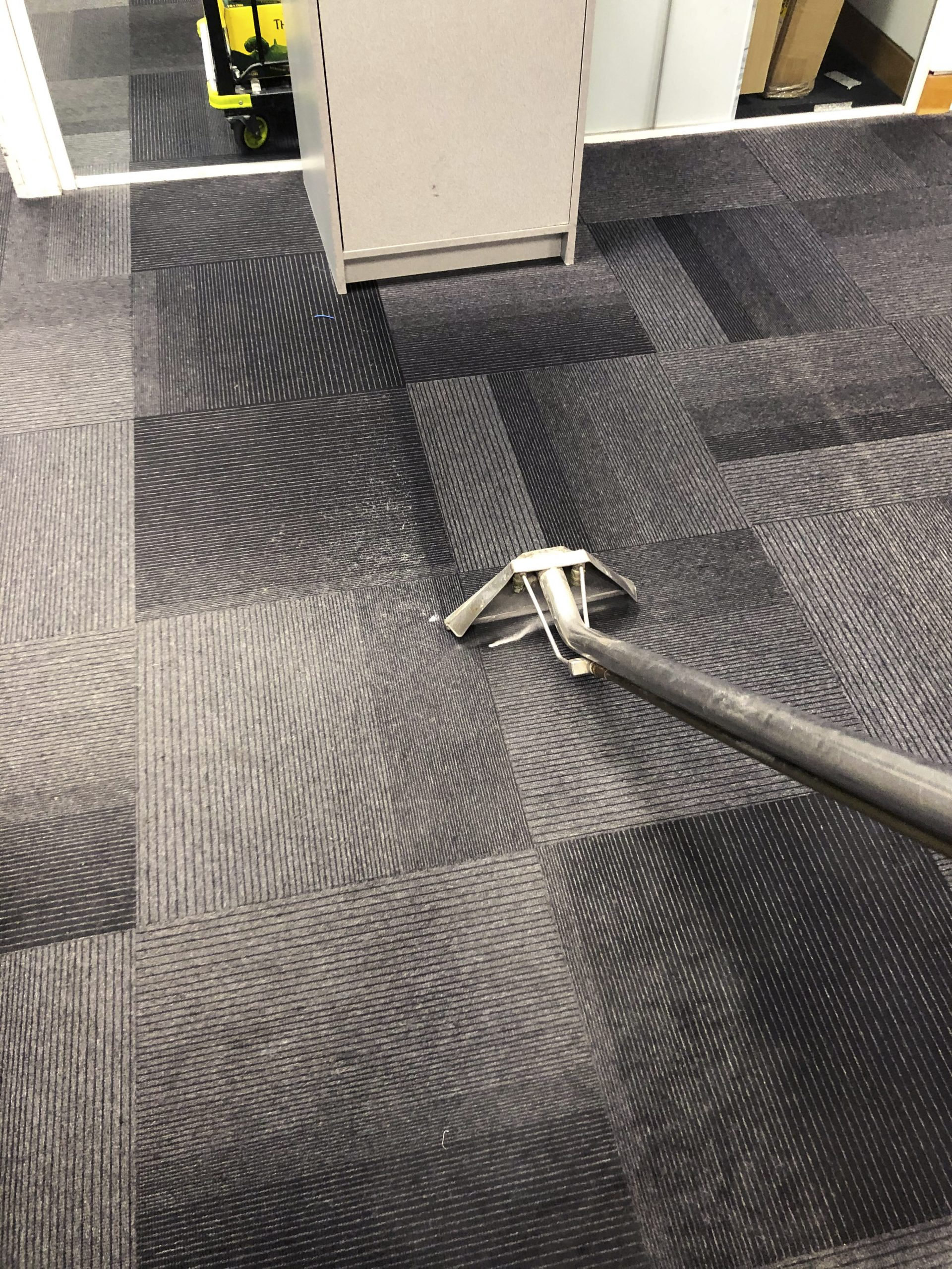 Commercial Carpet Cleaning Bath