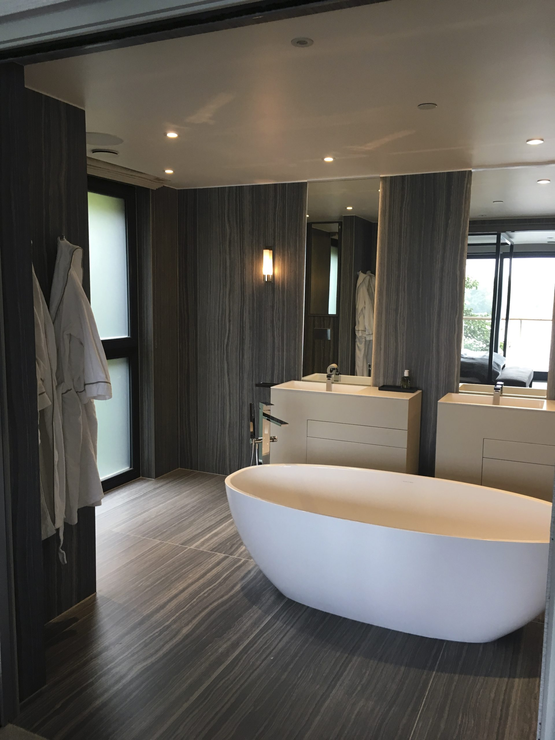 luxury accommodation cleaning services